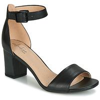 kengät Naiset Sandaalit ja avokkaat Clarks DEVA MAE Black
