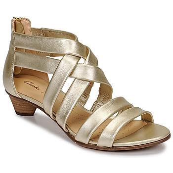 kengät Naiset Sandaalit ja avokkaat Clarks MENA SILK Champagne