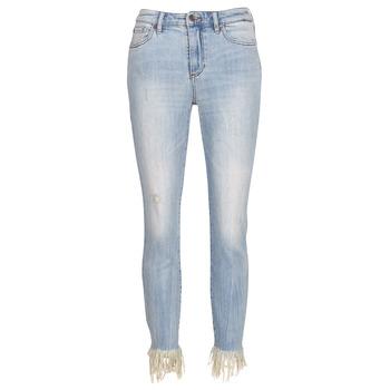 vaatteet Naiset 3/4 & 7/8-pituiset farkut Armani Exchange HELBAIRI Blue / Clair