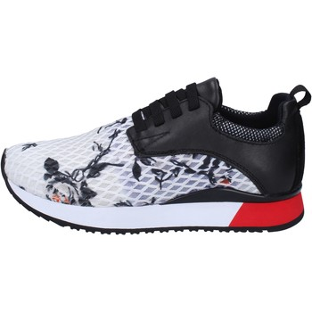 kengät Naiset Matalavartiset tennarit London sneakers nero tessuto bianco pelle BT252 Nero
