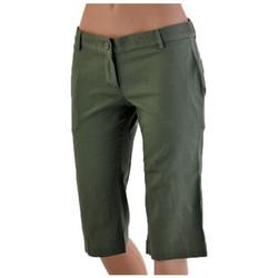vaatteet Naiset Shortsit / Bermuda-shortsit Fila