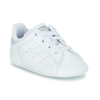 kengät Tytöt Matalavartiset tennarit adidas Originals STAN SMITH CRIB Valkoinen