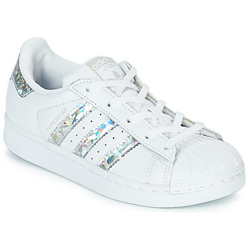 kengät Tytöt Matalavartiset tennarit adidas Originals SUPERSTAR C White / Hopea