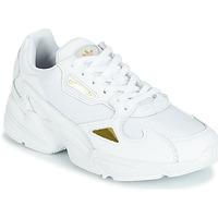 kengät Naiset Matalavartiset tennarit adidas Originals FALCON W White / Kulta