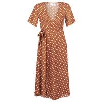 vaatteet Naiset Pitkä mekko Betty London KEYLA Brown