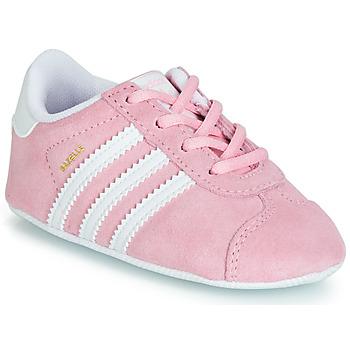 kengät Lapset Matalavartiset tennarit adidas Originals GAZELLE CRIB Pink