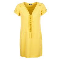 vaatteet Naiset Lyhyt mekko One Step PATRICIA Keltainen