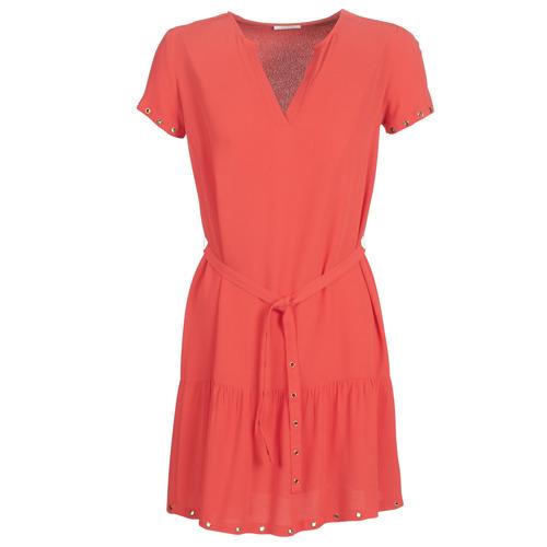 vaatteet Naiset Lyhyt mekko Ikks BN30115-35 Corail