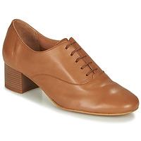 kengät Naiset Derby-kengät André CASSIDY Kamelinruskea