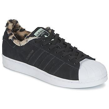 kengät Naiset Matalavartiset tennarit adidas Originals SUPERSTAR W Black