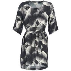 vaatteet Naiset Lyhyt mekko Nümph GINGER Musta / Valkoinen