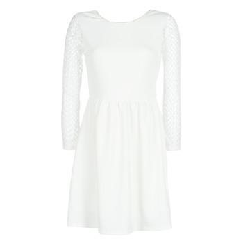 vaatteet Naiset Lyhyt mekko Betty London J. LOUISE White