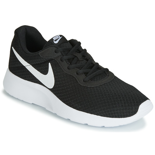 kengät Miehet Matalavartiset tennarit Nike TANJUN Black / White