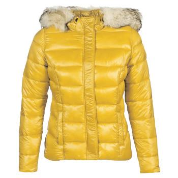 vaatteet Naiset Toppatakki Kaporal PERLE Yellow