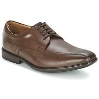 kengät Miehet Derby-kengät Clarks GOSWORTH OVER Brown
