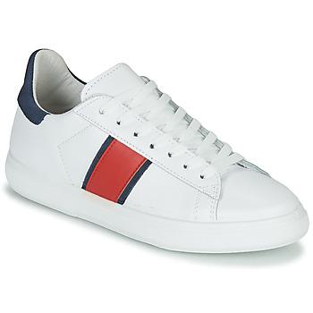 kengät Naiset Matalavartiset tennarit Yurban LIEO White
