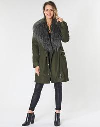 vaatteet Naiset Parkatakki Guess NEREA Kaki