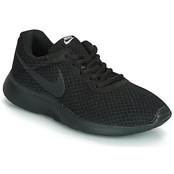 kengät Naiset Matalavartiset tennarit Nike TANJUN W Black