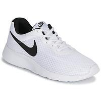kengät Miehet Matalavartiset tennarit Nike TANJUN White / Black