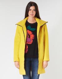 vaatteet Naiset Paksu takki Desigual LAND Yellow