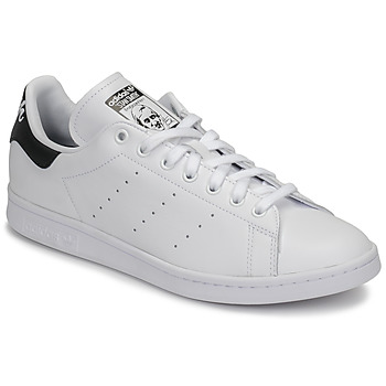 kengät Matalavartiset tennarit adidas Originals STAN SMITH White / Black