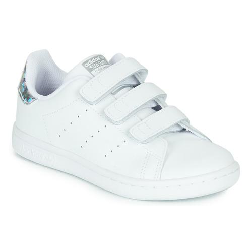 kengät Tytöt Matalavartiset tennarit adidas Originals STAN SMITH CF C White / Hopea
