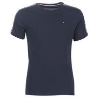vaatteet Miehet Lyhythihainen t-paita Tommy Hilfiger AUTHENTIC-UM0UM00562 Laivastonsininen
