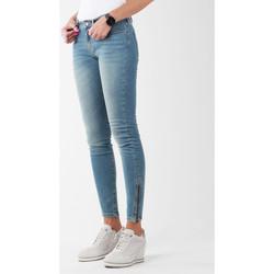 vaatteet Naiset Skinny-farkut Wrangler Skylark W27F4072F blue