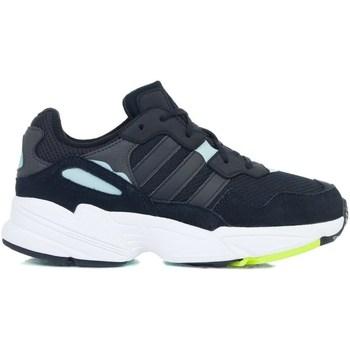 kengät Tytöt Matalavartiset tennarit adidas Originals YUNG96 J Mustat