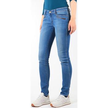 vaatteet Naiset Skinny-farkut Wrangler Jeansy  Courtney Skinny W23SJJ58V