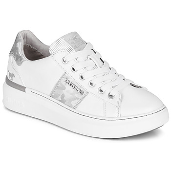 kengät Naiset Matalavartiset tennarit Mustang 1351304-121 White / Hopea