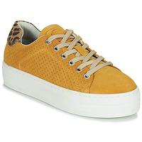 kengät Naiset Matalavartiset tennarit Bullboxer 987033E5C Yellow