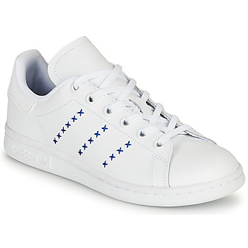 kengät Lapset Matalavartiset tennarit adidas Originals STAN SMITH J White / Blue