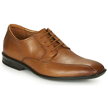 kengät Miehet Derby-kengät Clarks BENSLEY RUN Brown