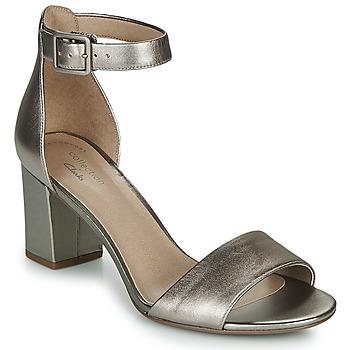 kengät Naiset Sandaalit ja avokkaat Clarks DEVA MAE Hopea