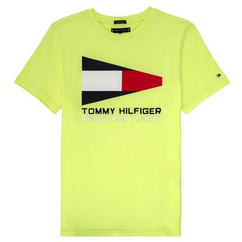 vaatteet Pojat Lyhythihainen t-paita Tommy Hilfiger  Yellow