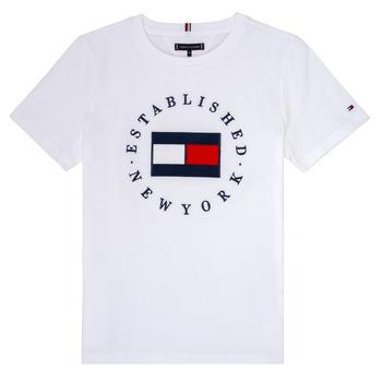 vaatteet Pojat Lyhythihainen t-paita Tommy Hilfiger KB0KB05718 White