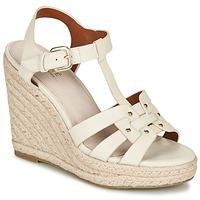 kengät Naiset Sandaalit ja avokkaat André PERLINE White