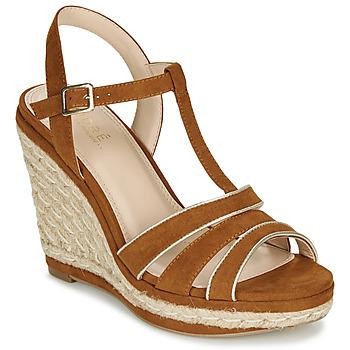 kengät Naiset Sandaalit ja avokkaat André JULY Camel