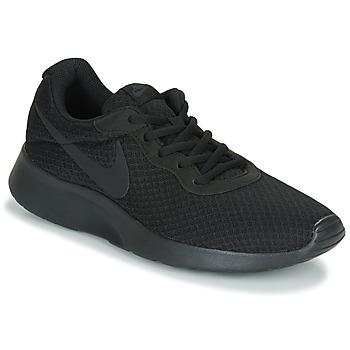 kengät Miehet Matalavartiset tennarit Nike TANJUN Black