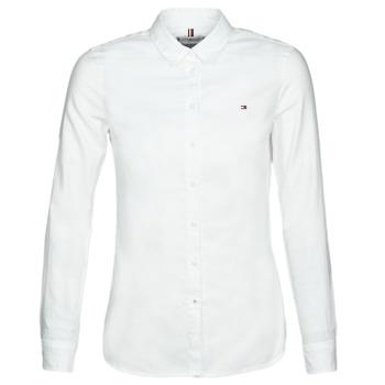 vaatteet Naiset Paitapusero / Kauluspaita Tommy Hilfiger HERITAGE REGULAR FIT SHIRT Valkoinen