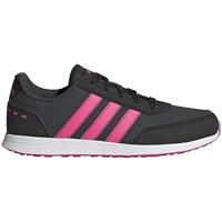 kengät Tytöt Matalavartiset tennarit adidas Originals VS Switch 2 K Valkoiset,Mustat,Vaaleanpunaiset