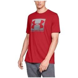 vaatteet Miehet Lyhythihainen t-paita Under Armour Boxed Sportstyle Punainen