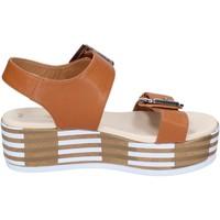 kengät Naiset Sandaalit ja avokkaat Tredy's sandali pelle sintetica Marrone