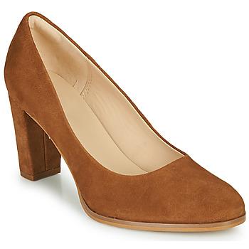 kengät Naiset Korkokengät Clarks KAYLIN CARA 2 Camel