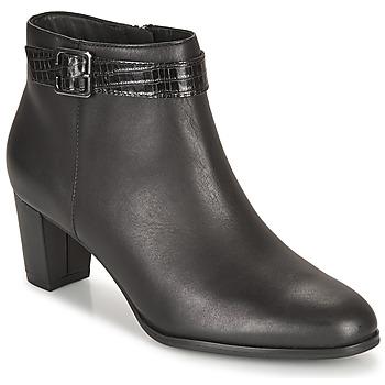kengät Naiset Nilkkurit Clarks KAYLIN60 BOOT Musta