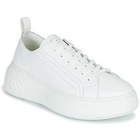 kengät Naiset Matalavartiset tennarit Armani Exchange PROMNA Valkoinen