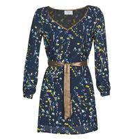 vaatteet Naiset Lyhyt mekko Betty London NOUCE Laivastonsininen
