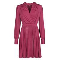 vaatteet Naiset Lyhyt mekko Marciano PLAYA DRESS Bordeaux