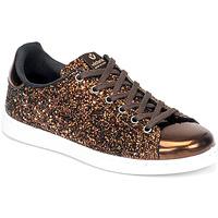 kengät Naiset Matalavartiset tennarit Victoria TENIS GLITTER Bronze